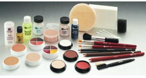 Theater Ausstattung - Theaterschminke Make up Ausstattungen