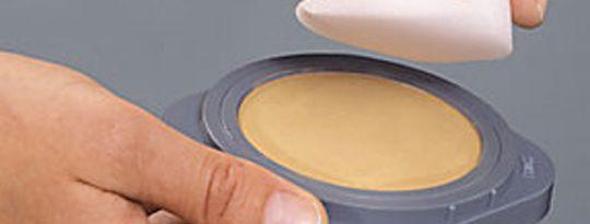 8f761c400a Die Bodypainting Farbe ist vielseitig und einfach in der Anwendung